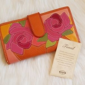 NWOT Fossil Floral Leather Wallet
